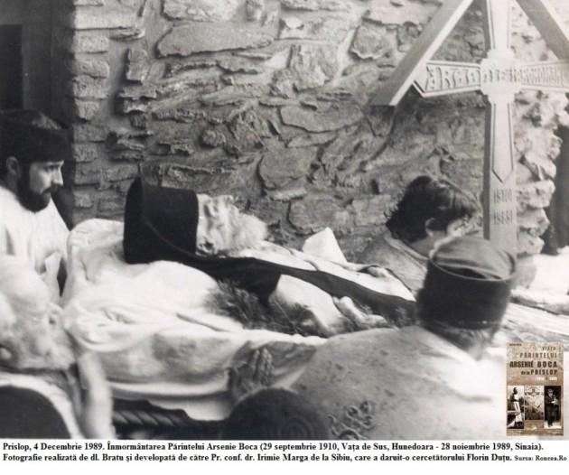inmormantarea-parintelui-arsenie-boca-nov-1989-florin-dutu-prislop-foto-1-via-roncea-ro-900x752